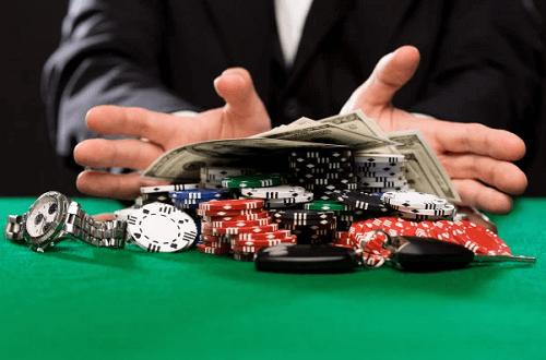 high-roller-spending-steady